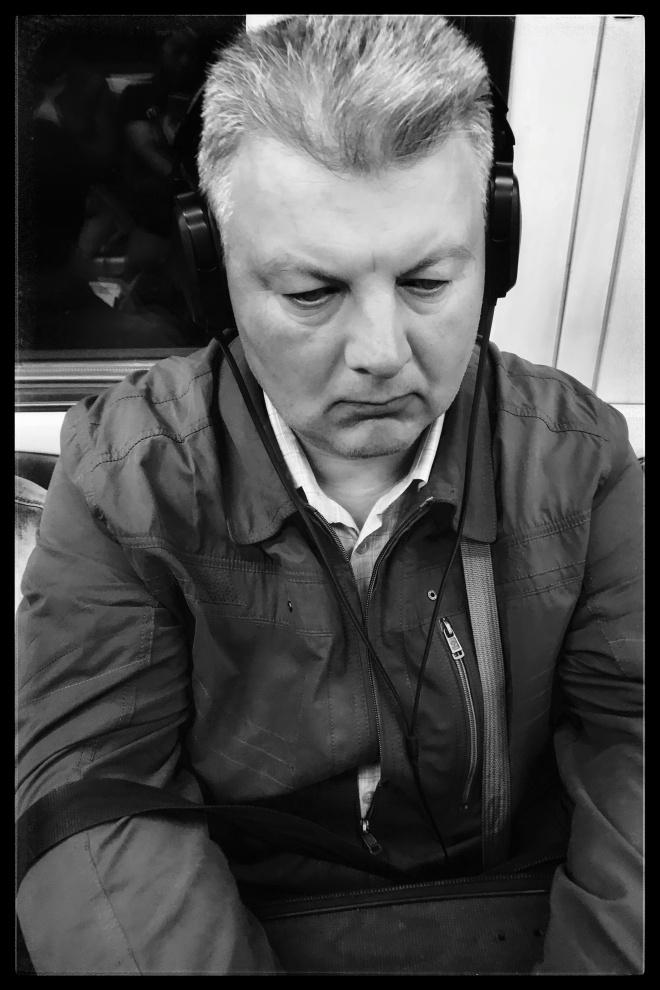 Mosca: ritratti in Metro (2018)
