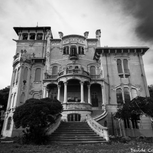 Villa Z. - The Liberty decay