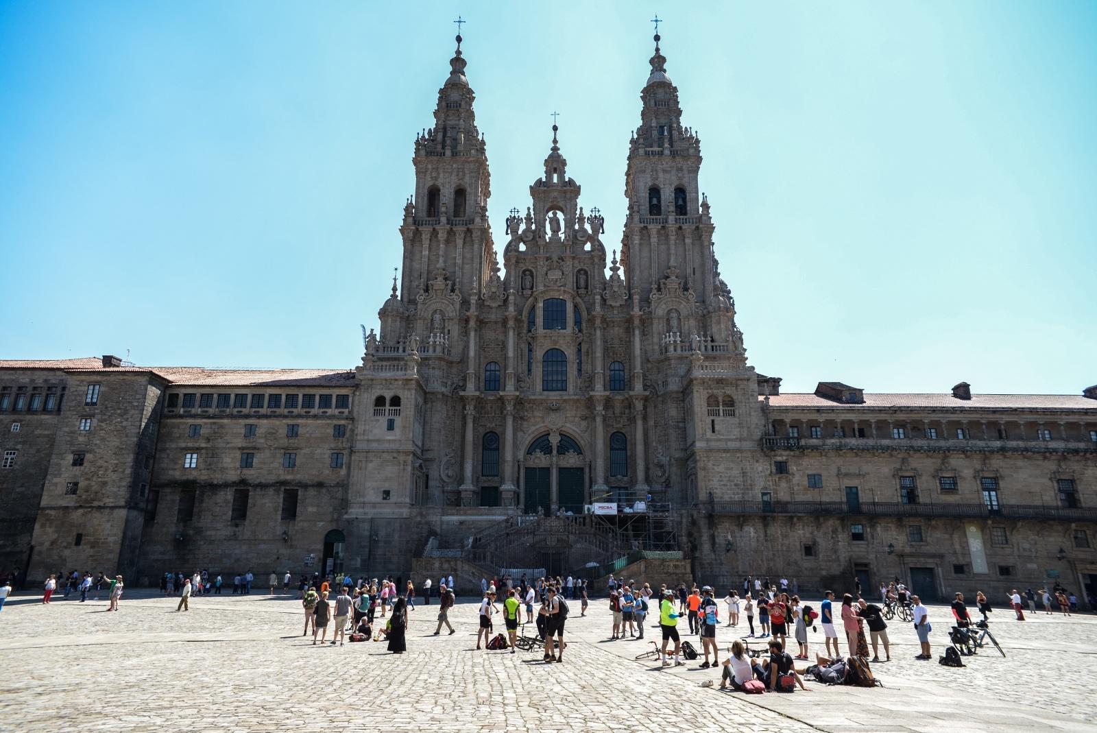 Annalisa Melas - Verso Santiago De Compostela - 1 - La Cattedrale di Santiago, colei che diventerà la vostra ossessione lungo i sentieri che percorrerete